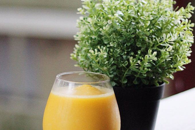 How to make a mango ginger honey smoothie recipe
