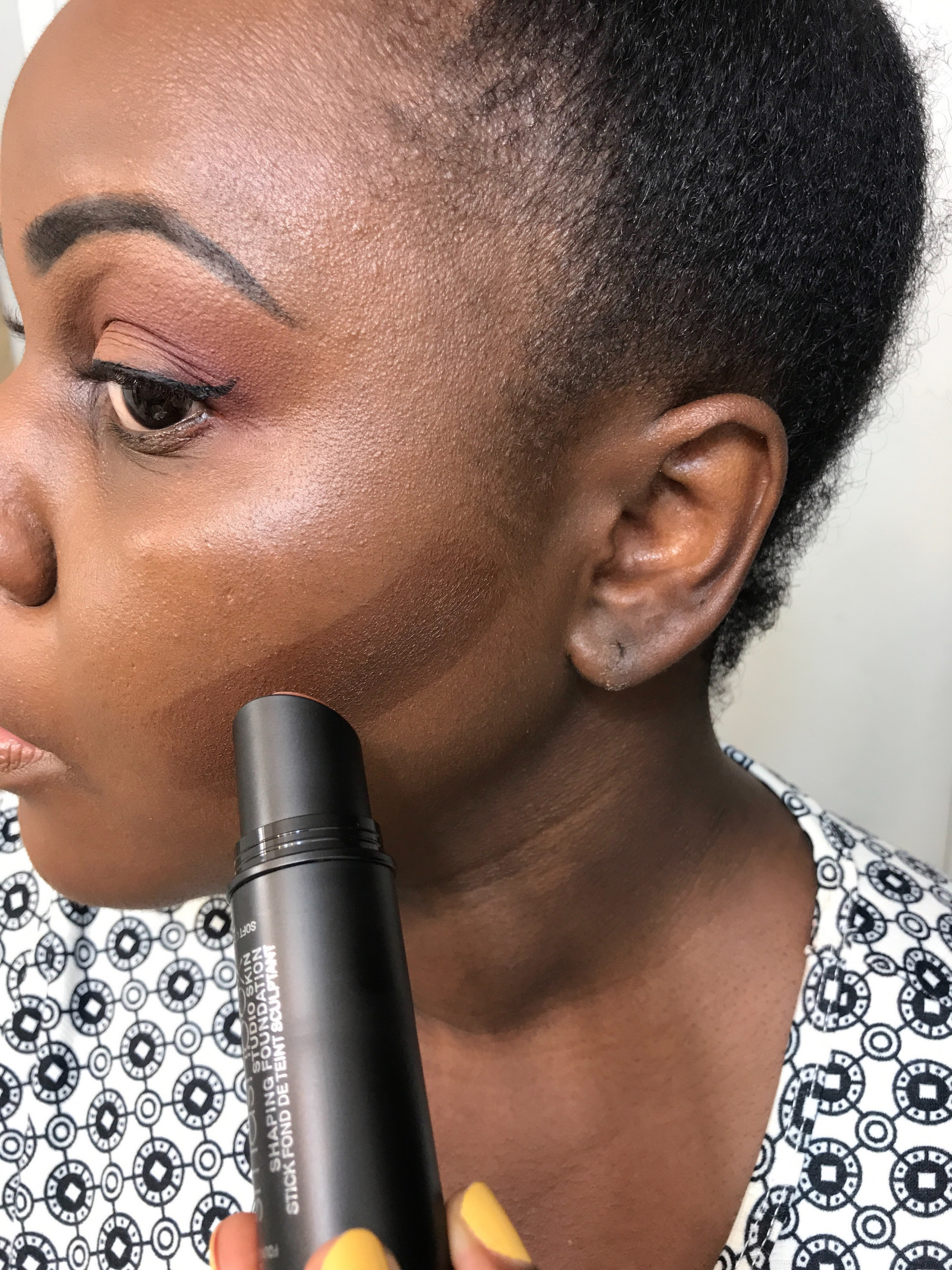 Smashbox Studio Skin Face Shaping Foundation Stick contouring dark skin