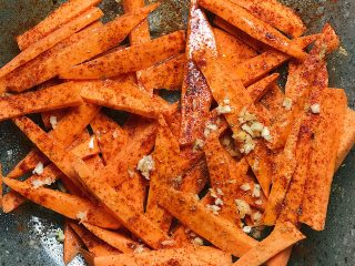 Easy Food: Spicy Sweet Potato Fries