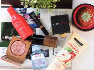 THE BODY SHOP Strawberry Body Butter J.ONE Red Jelly Pack SMASHBOX Smashbox + Vlada Petal Metal Highlighter GIORGIO ARMANI BEAUTY Power Fabric Longwear High Cover Foundation SPF 25 HUDA BEAUTY Easy Bake Loose Baking & Setting Powder HUDA BEAUTY The Overachiever High Coverage Concealer FEELING BEAUTIFUL 4-in-1 Apple Cider Vinegar Foaming Clay Mask BIORÉ Baking Soda Cleansing Micellar Water dark skin beauty blogger, sephora vib rouge blogger beauty makeup skin care reviews